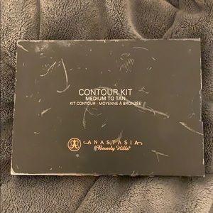 Anastasia Beverly Hills Makeup - Anastasia Contour Kit - Medium to Tan